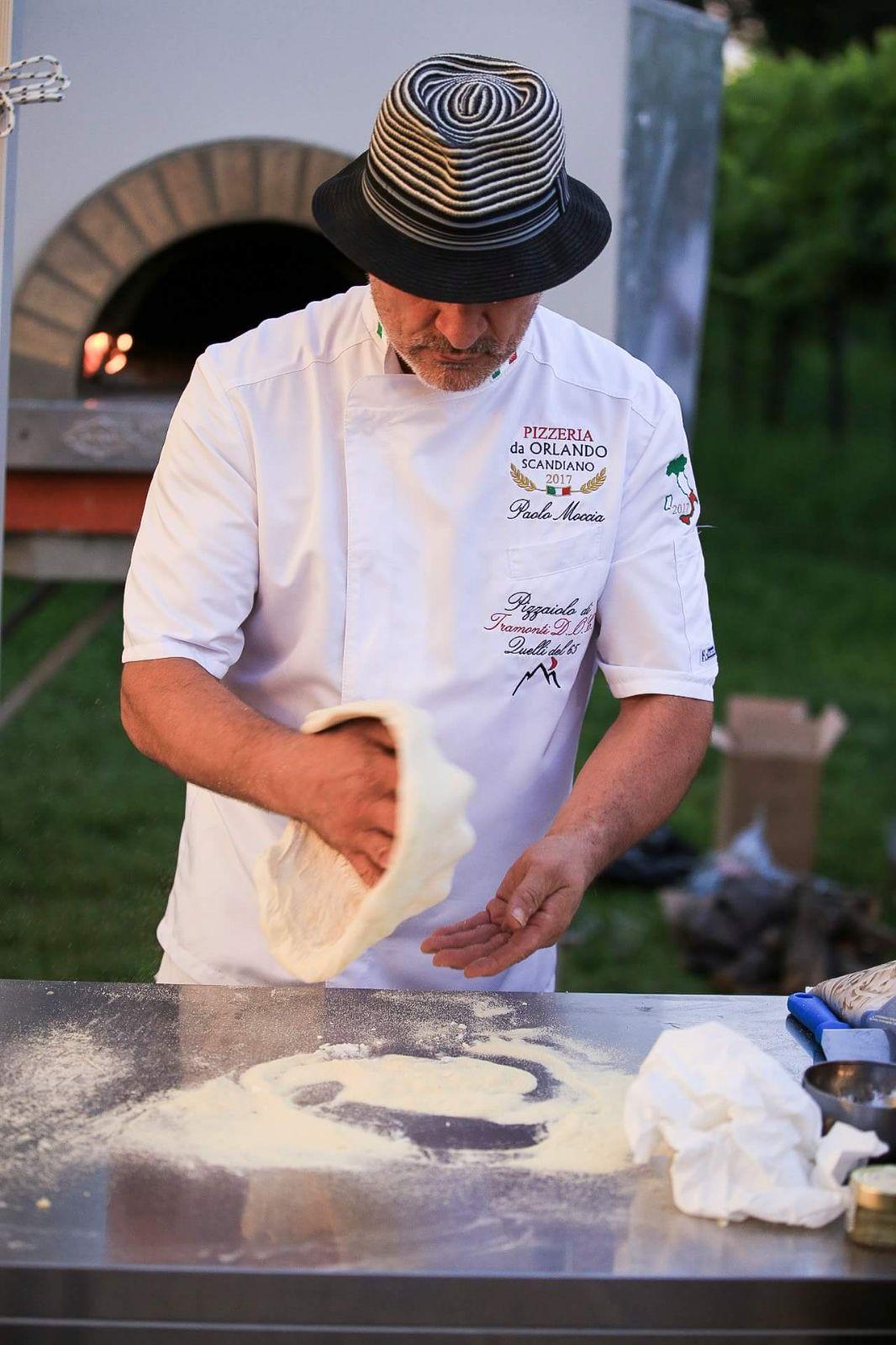 """Pizzeria d'asporto """"Da Orlando"""" Scandiano , (RE) – Paolo Moccia – Ritratto di un pizzaiolo e della sua arte –"""